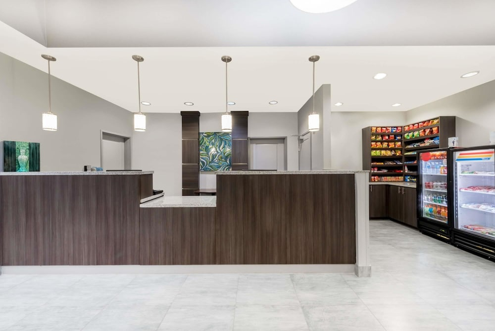 Reception, Hawthorn Suites By Wyndham Midland