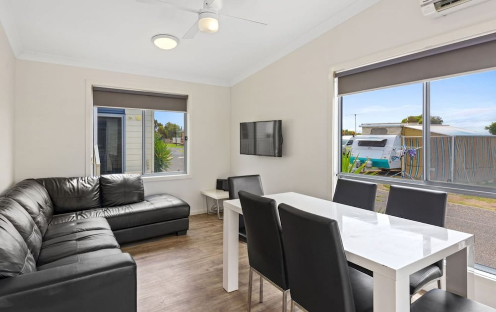 Living Area, Discovery Parks – Adelaide Beachfront