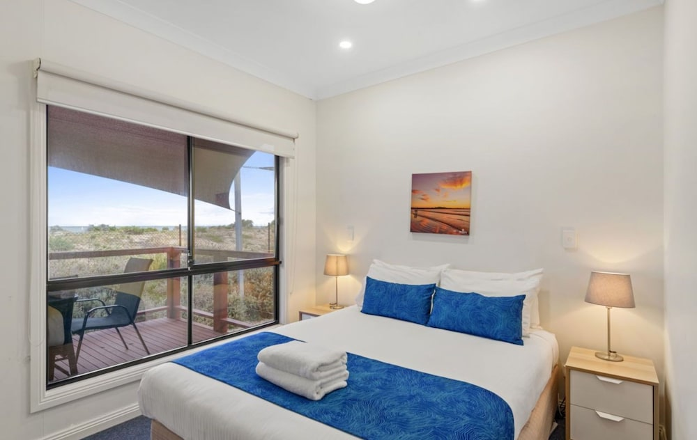 Room, Discovery Parks – Adelaide Beachfront