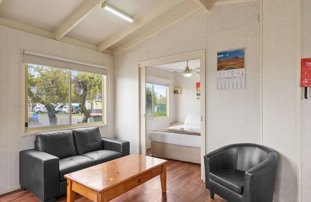 Living Room, Discovery Parks – Adelaide Beachfront