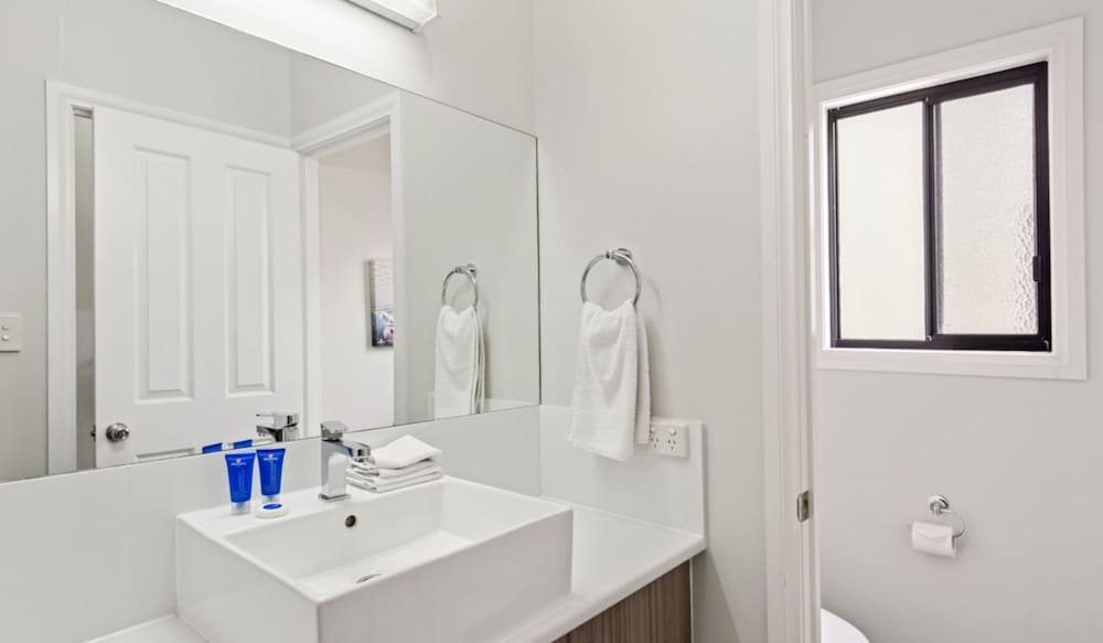 Bathroom, Discovery Parks – Adelaide Beachfront