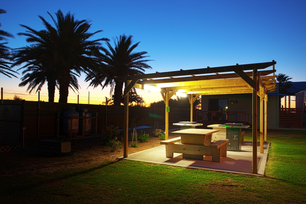 BBQ/Picnic Area, Discovery Parks – Adelaide Beachfront