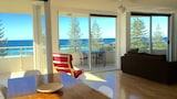 Wyuna Beachfront Holiday Apartments - Burleigh Heads Hotels