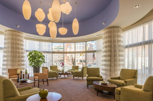 Hilton Garden Inn Alexandria Old Town National Harbor