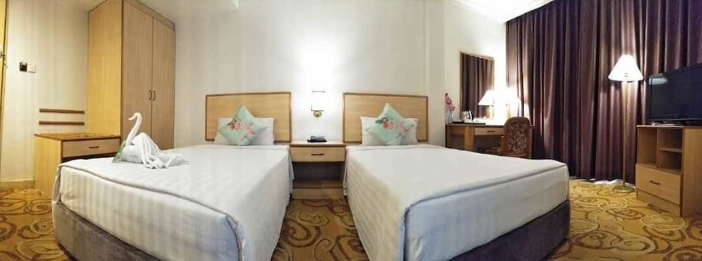 The Orchid Hotel: 2019 Room Prices $26, Deals & Reviews