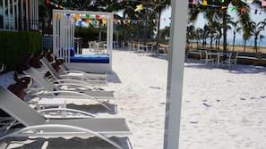 在海滩、海滩按摩