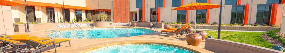Outdoor Pool, Osage Casino and Hotel - Skiatook