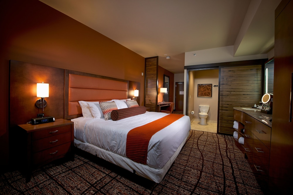 Room, Osage Casino and Hotel - Skiatook