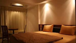 客房内保险箱、折叠床/加床(额外收费)、免费 WiFi