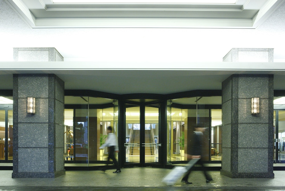Property Entrance, Royal Pines Hotel Urawa