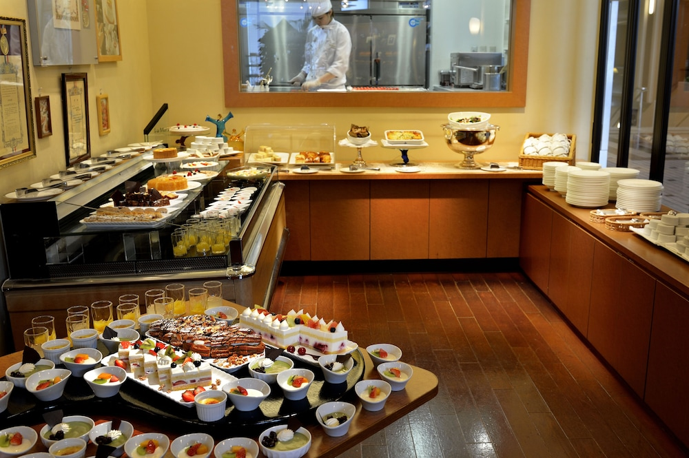 Buffet, Royal Pines Hotel Urawa