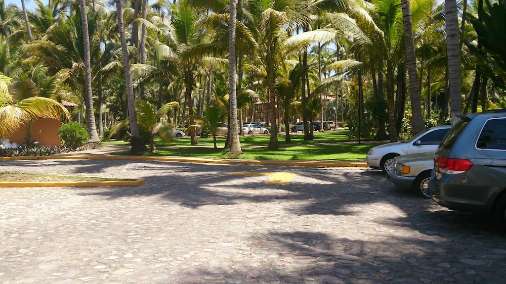Parking, Los Tules Villas del Sol