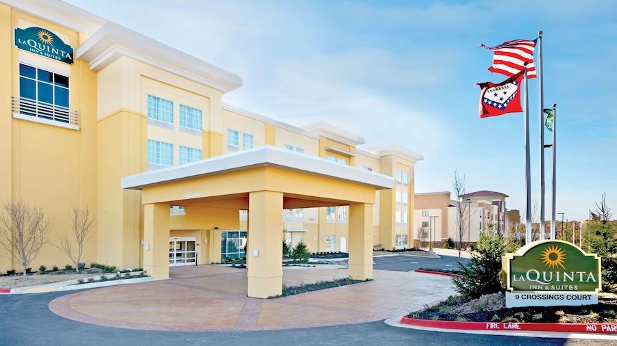 La Quinta Inn & Suites by Wyndham Little Rock - West