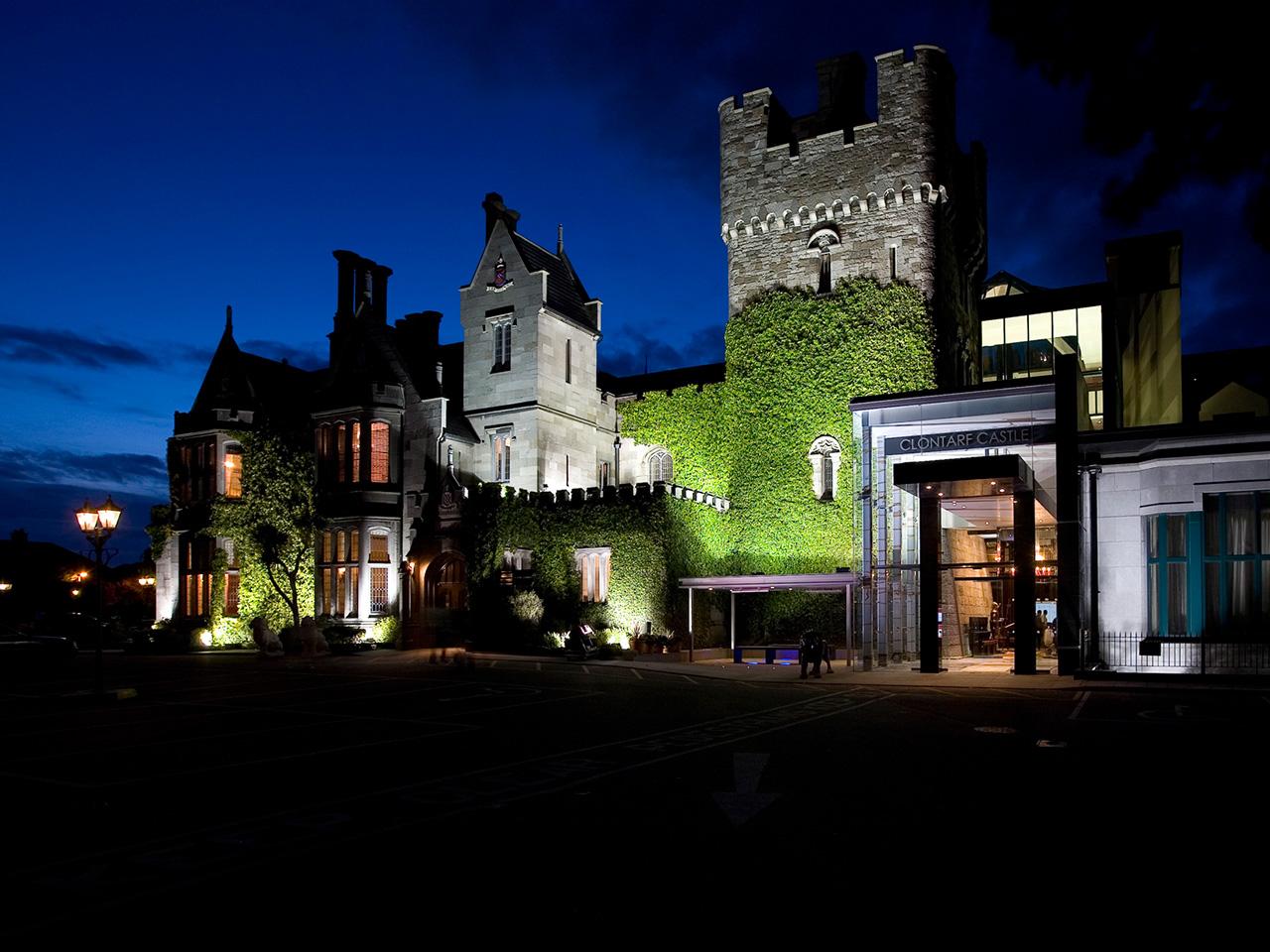 Unique Sleeps: Clontarf Castle Hotel, Dublin