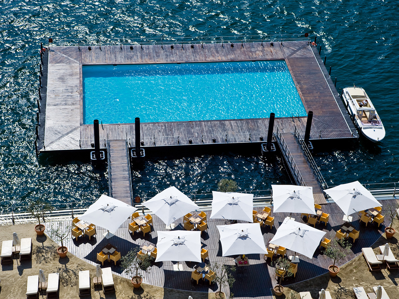 Listopedia: Cool Hotel Pools