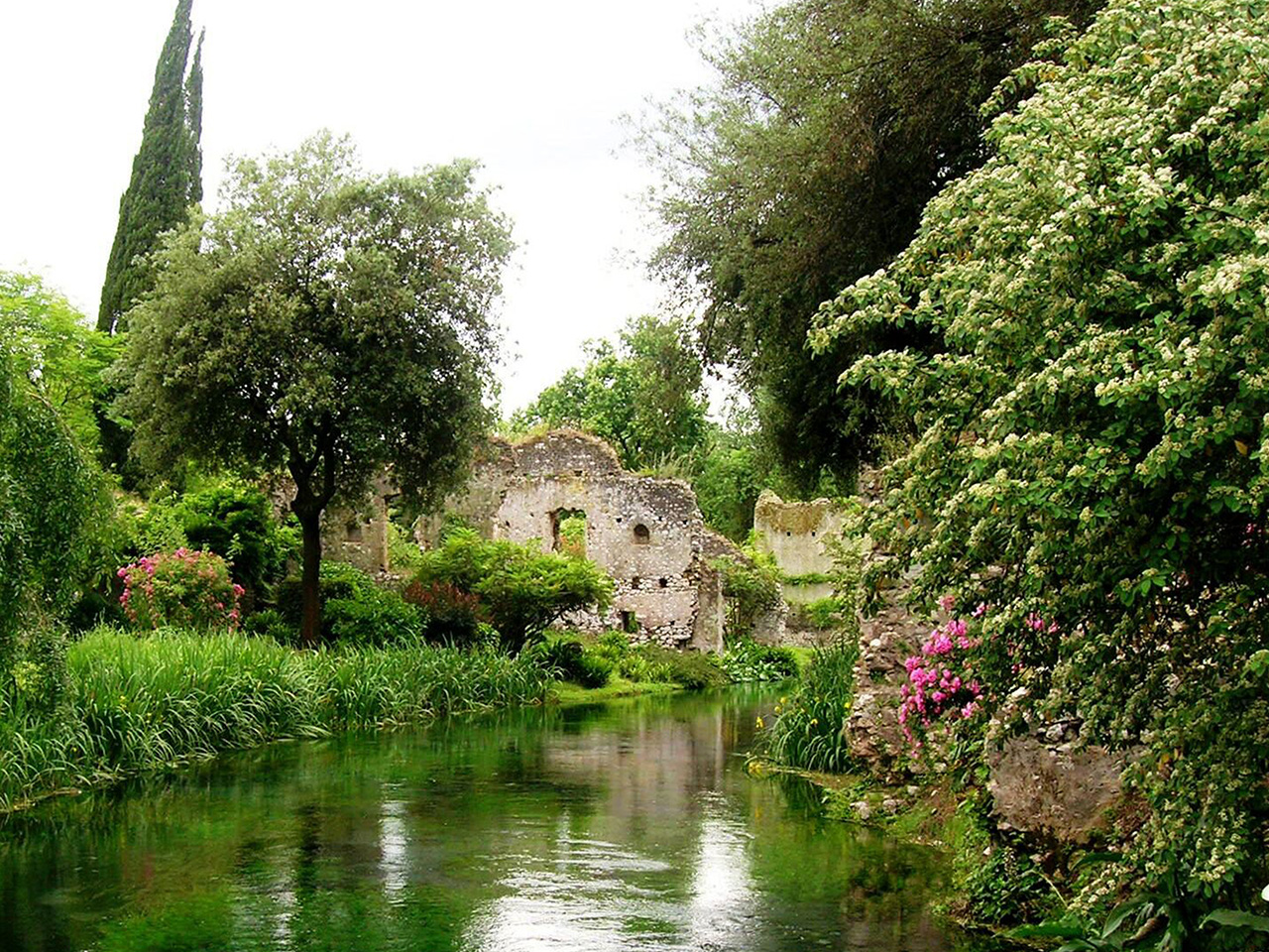 Oasi di Ninfa - Day Trips from Rome