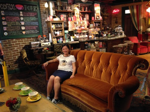 """Having a coffee at """"Central Perk"""" from Friends – Warner Bros. Studios"""
