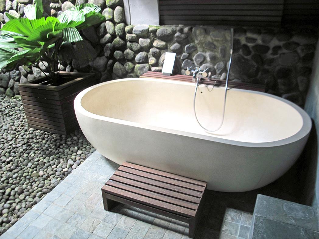 stone-bathtub