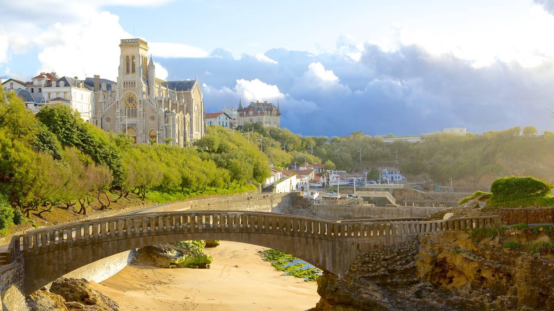 Vol Biarritz Paris pas cher Skyscanner France