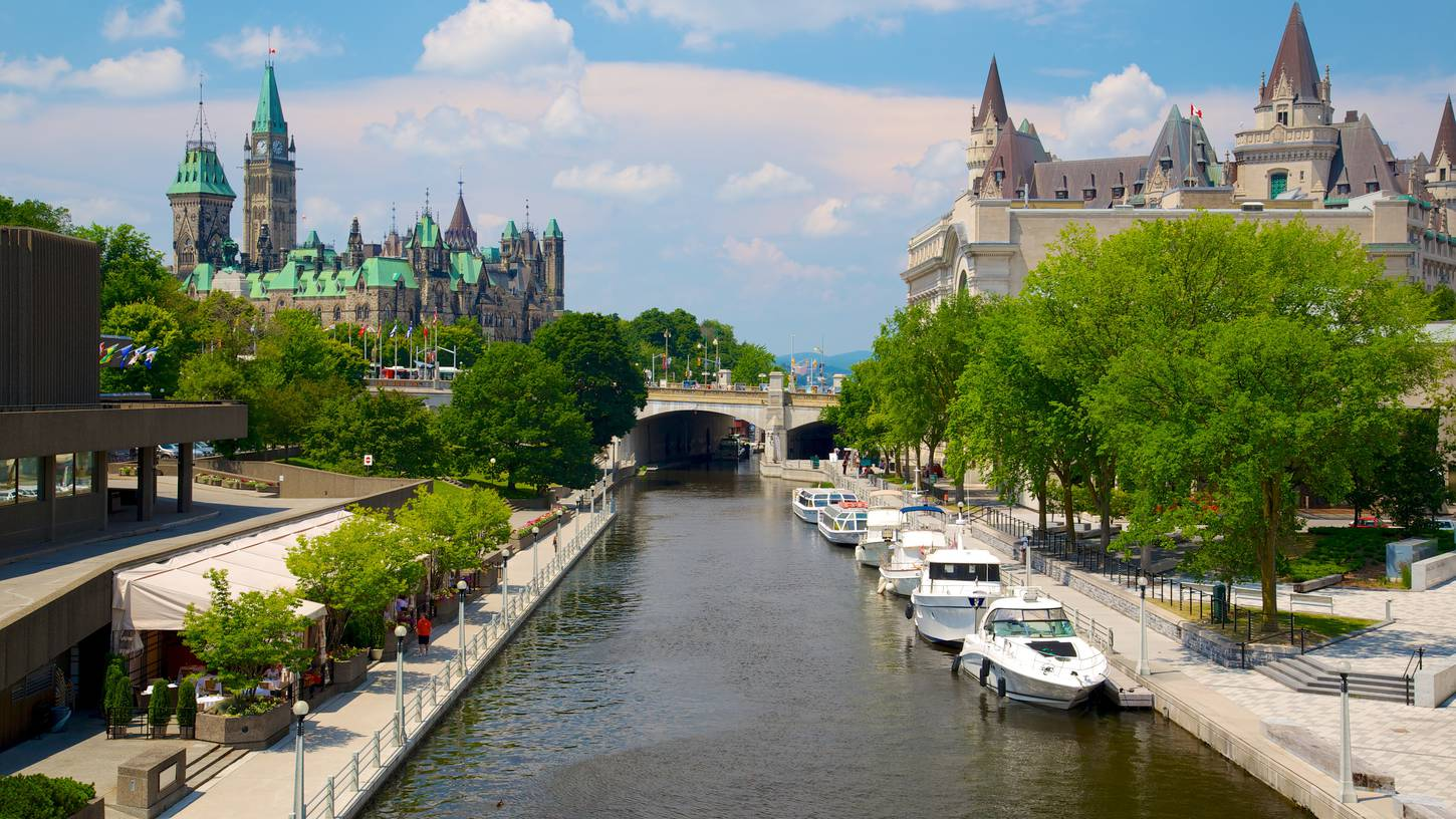 Hotels Near Ottawa University
