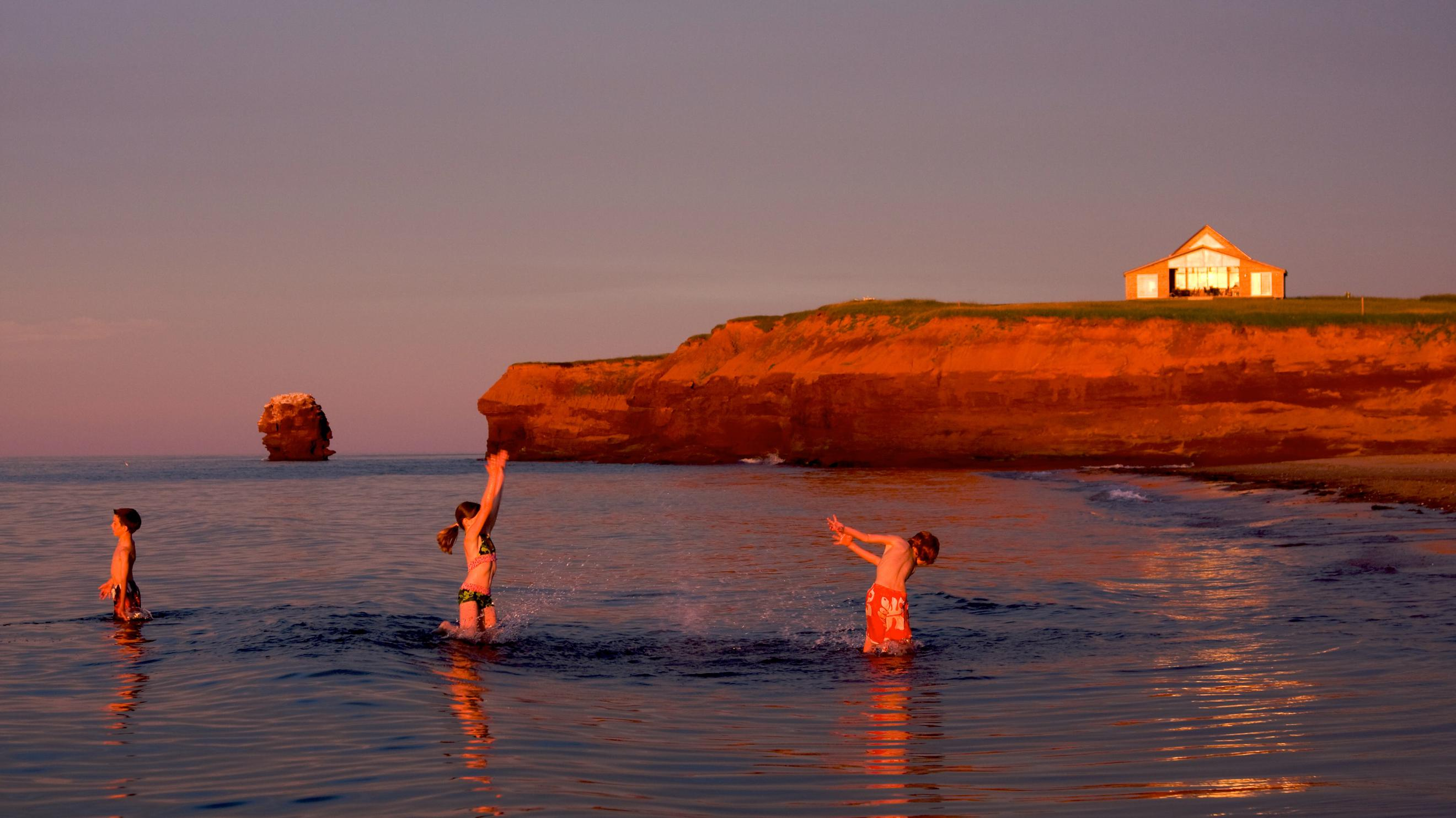 Prince Edward Island Vacation Packages: Bundle & Save Up