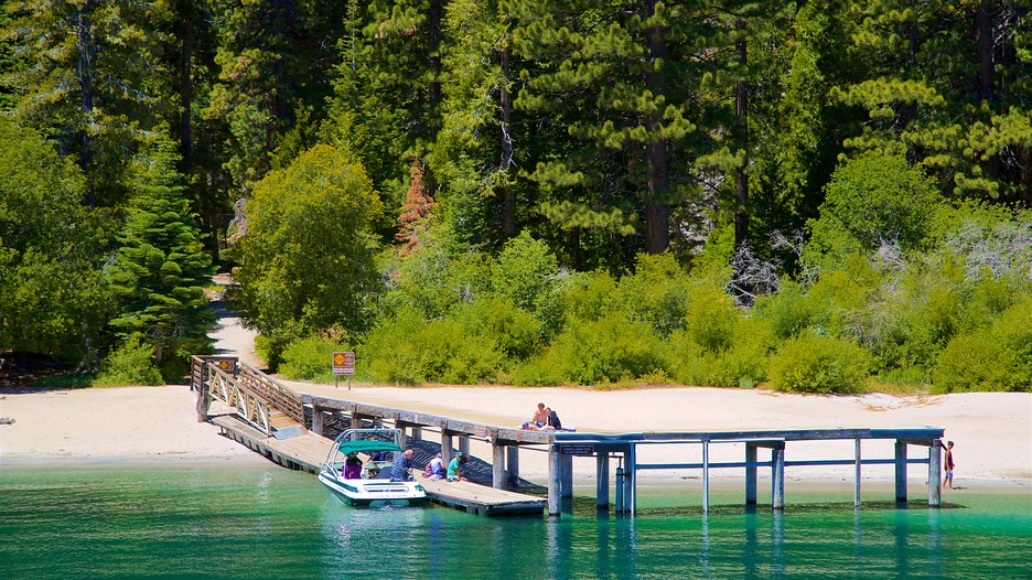 Emerald Bay State Park in South Lake Tahoe, California ...