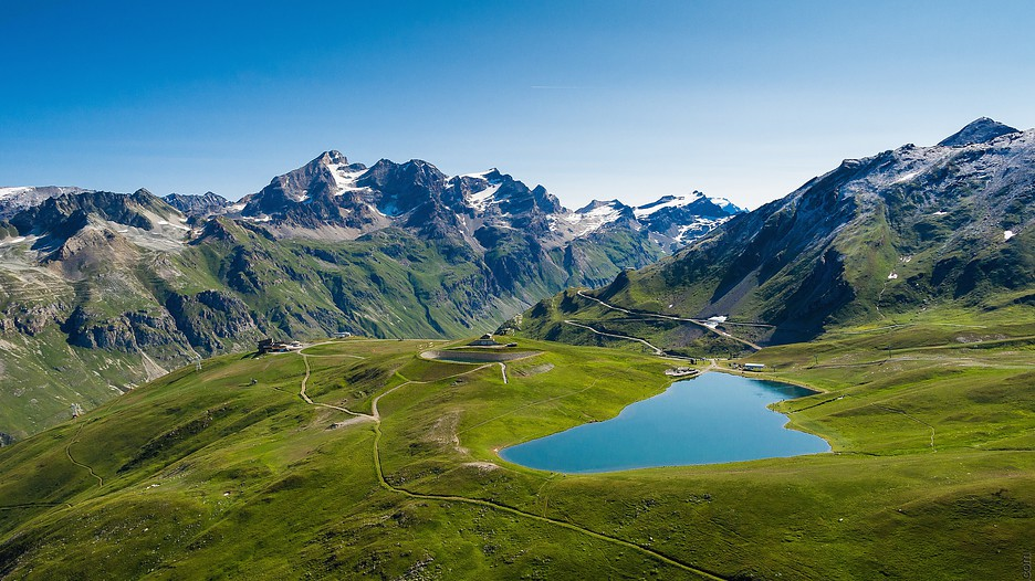 Val d 39 isere holidays book cheap holidays to val d 39 isere - Office du tourisme val d isere telephone ...