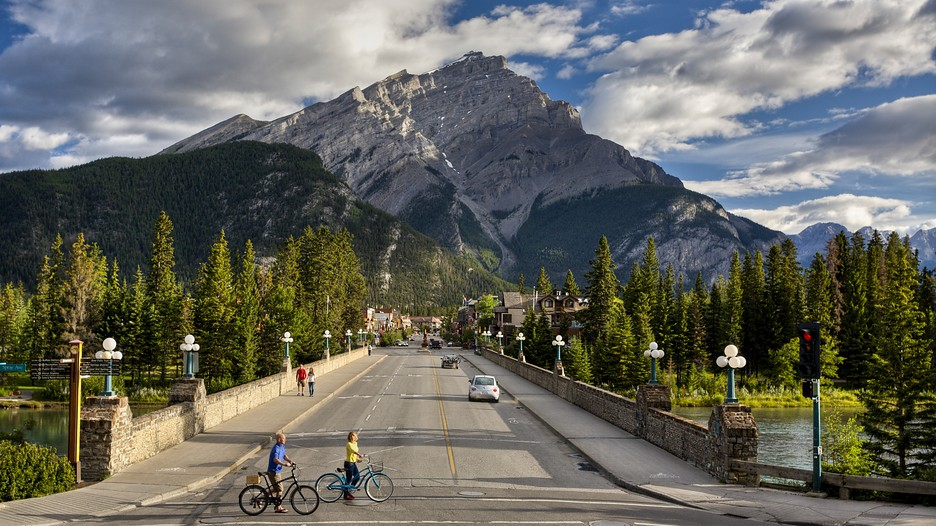 Banff Vacations: Package amp; Save up to $603 in 2017