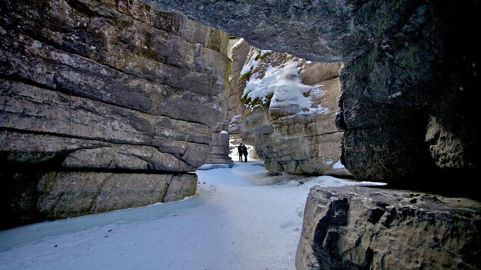 Maligne Canyon in Jasper, Alberta | Expedia.ca