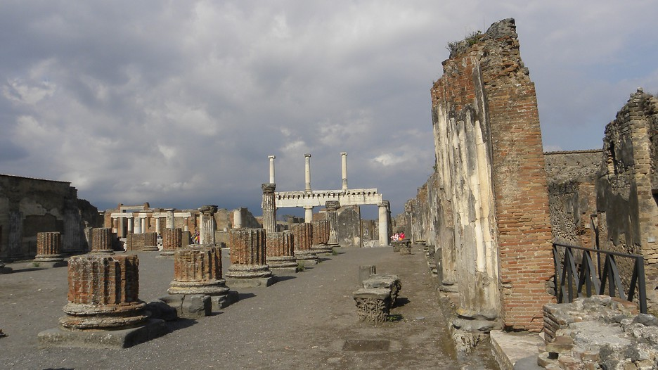 Pompei Holidays - Book Cheap Holidays to Pompei and Pompei ...