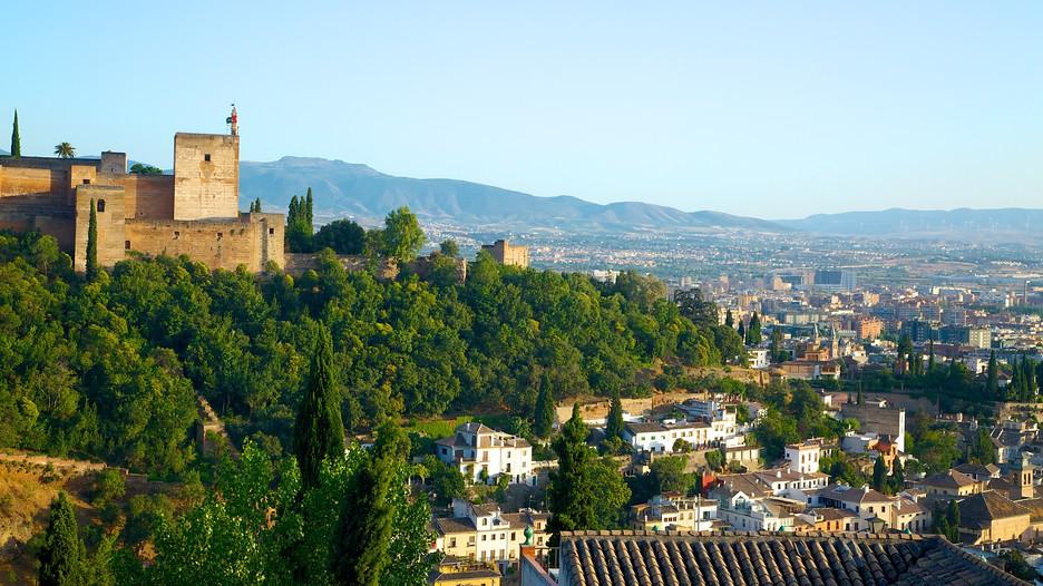 Mirador de San Nicolas in Granada,  Expedia.ca