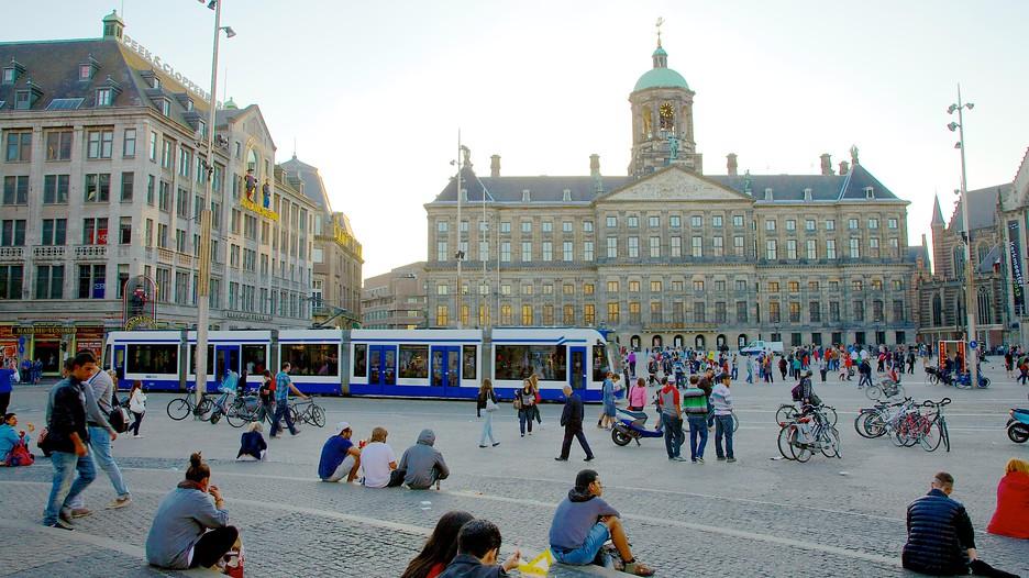 Dam square in amsterdam expedia for Appartamenti piazza dam amsterdam