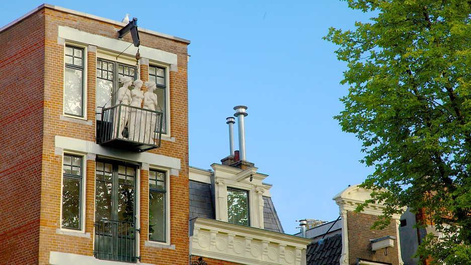Top 10 Amsterdam Hotels Near Red Light District