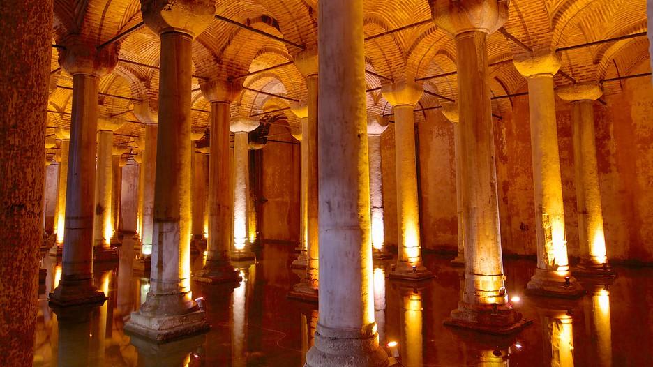 Basilica Cistern in Istanbul,  Expedia