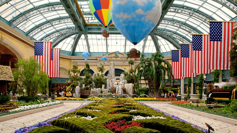 Bellagio casino in las vegas nevada expedia for Garden statues las vegas nv