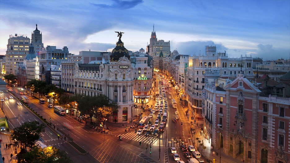 Resor till gran via puerta del sol spanien for Gran via puerta del sol madrid