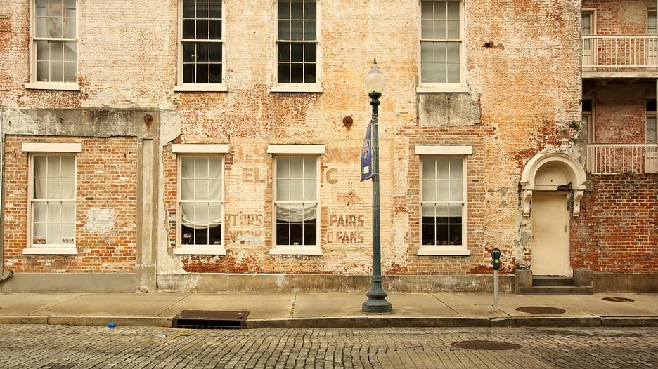 New Orleans Warehouse Arts District Restaurants