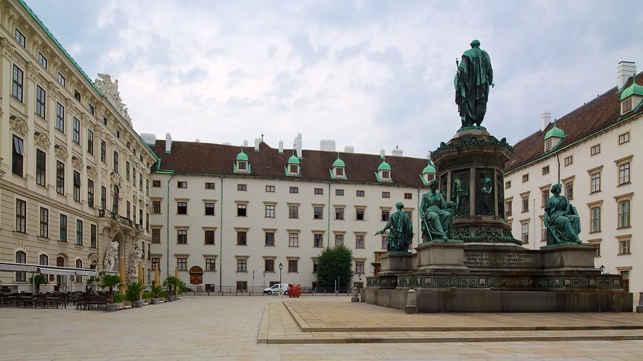 Imagini pentru palatul hofburg vienna