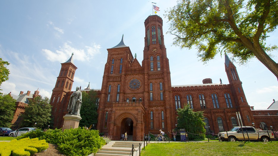Smithsonian Travel Packages
