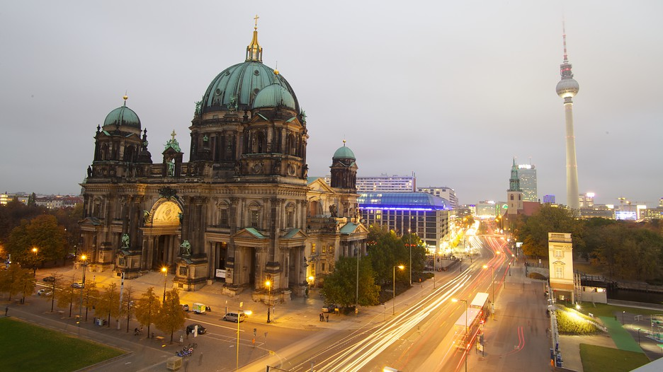 Berlin Vacation Travel Guide | Expedia - Travel Website