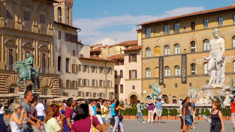 シニョリーア広場 / フィレンツェ旅行|エクスペディア