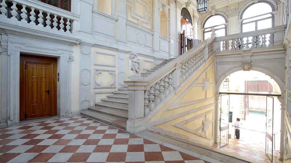 Ca Rezzonico In Venice Expedia Ca
