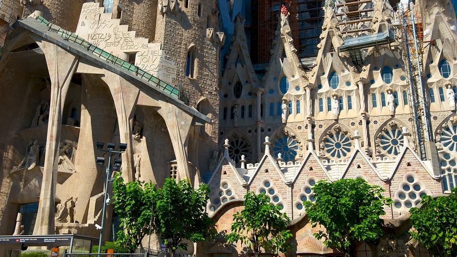 Sagrada familia in barcelona expedia for Familia barcelona