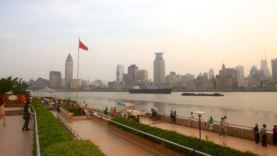 Resultado de imagem para river side of shanghai