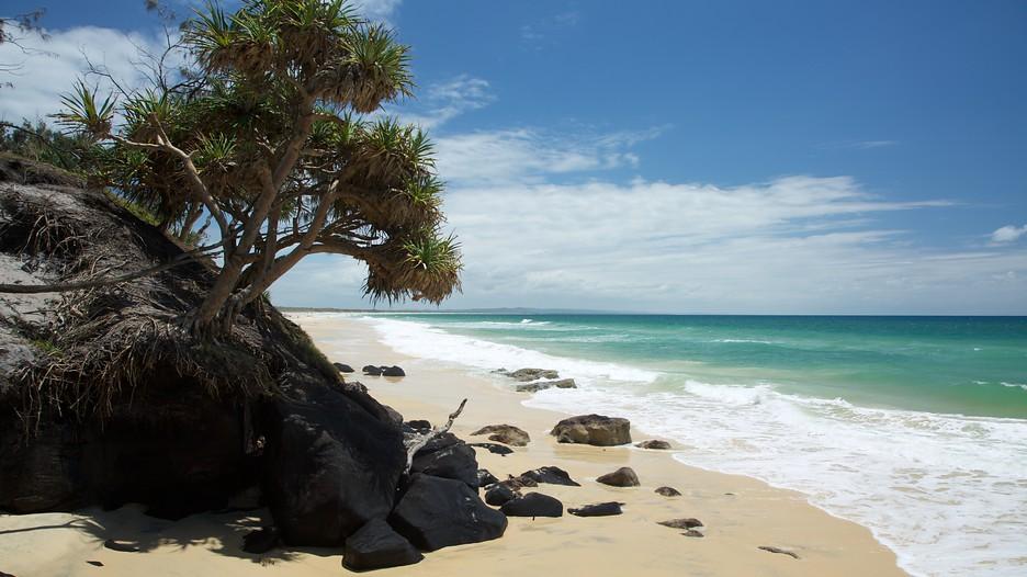 Best sunshine coast holiday deals