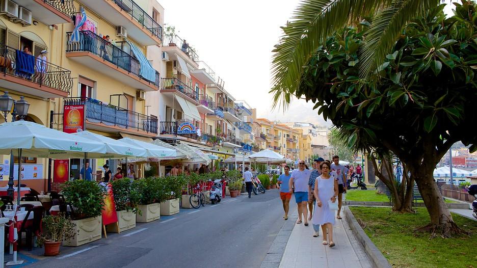 Giardini naxos holidays cheap giardini naxos holiday for Giardini foto ville