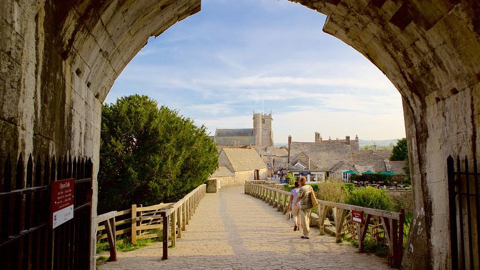 Corfe Castle In Bournemouth England Expedia