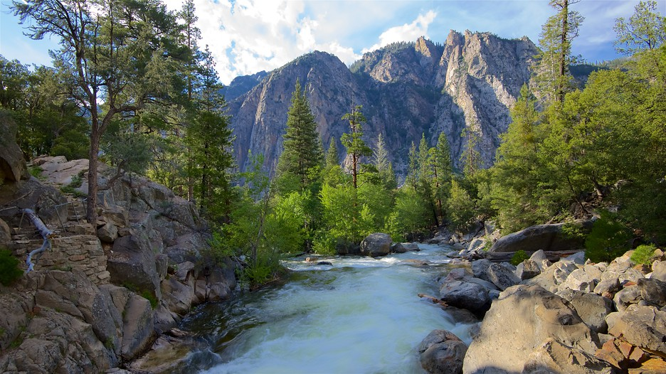Hotels Close To Sequoia National Park