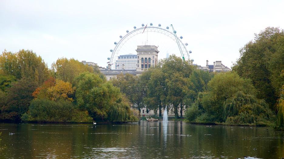 Hasil gambar untuk taman st james park london