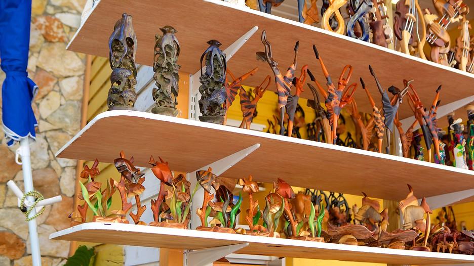 Straw Market In Nassau Expedia Ca